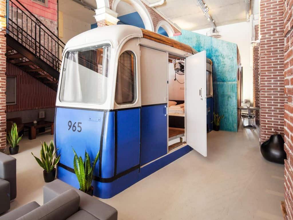 34074735 - De 10 leukste goedkope hotels in Amsterdam centrum