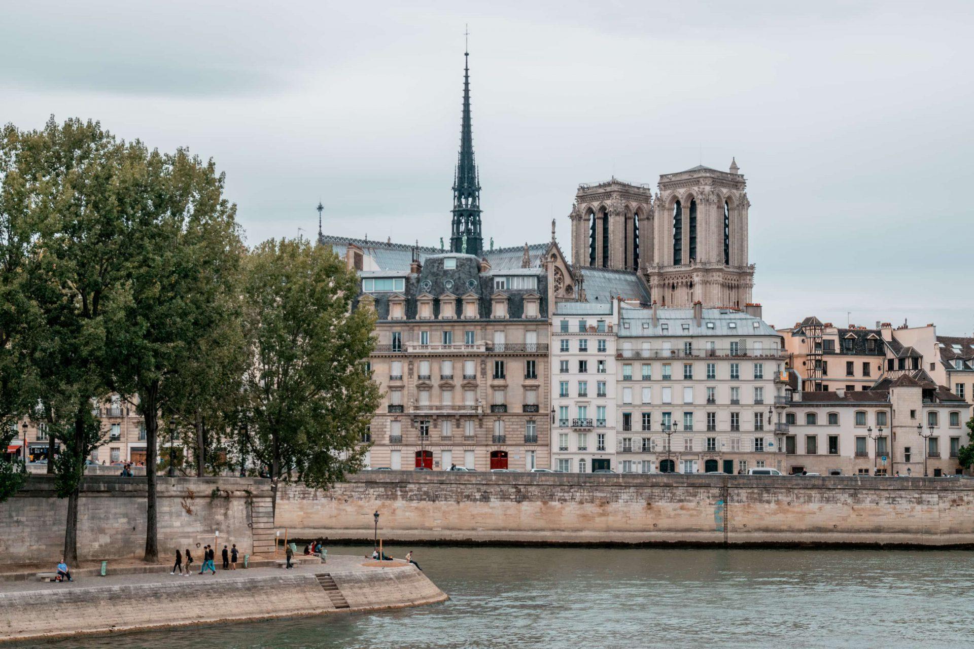 ParisMarais16 - Shopaholics opgelet: dit zijn 14 beste steden om te shoppen in Europa