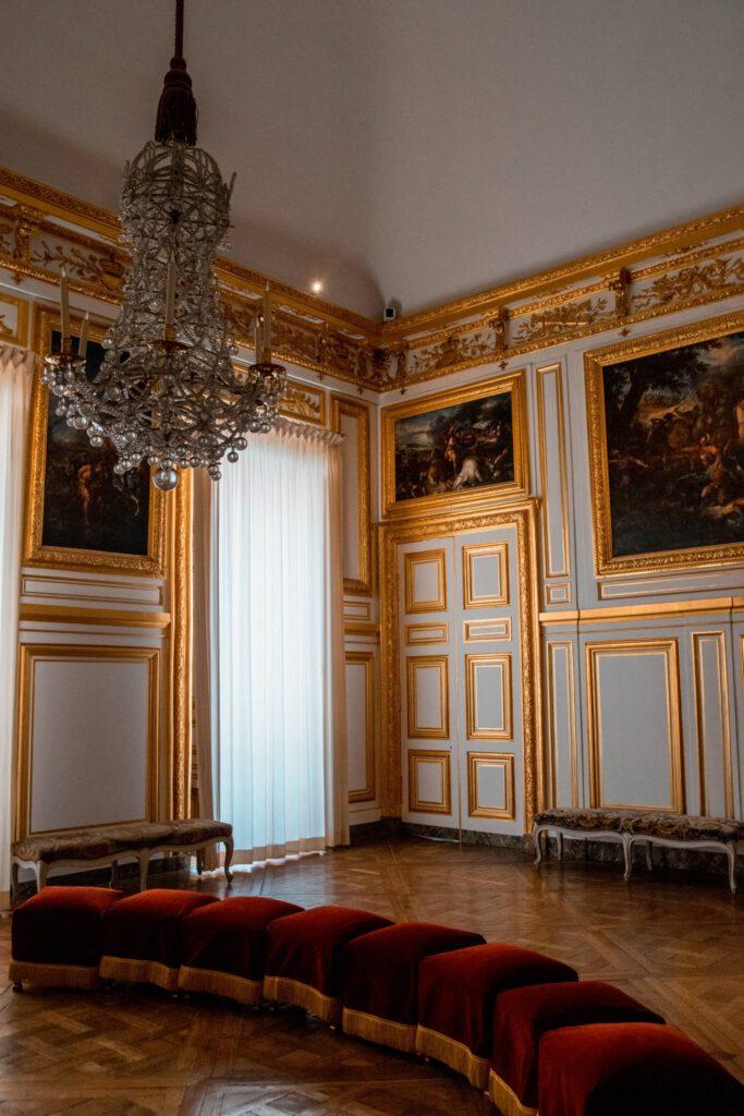 Versailles21 683x1024 - Kasteel van Versailles bezoeken: alles wat je moet weten! (+ tips om de wachtrij over te slaan!)
