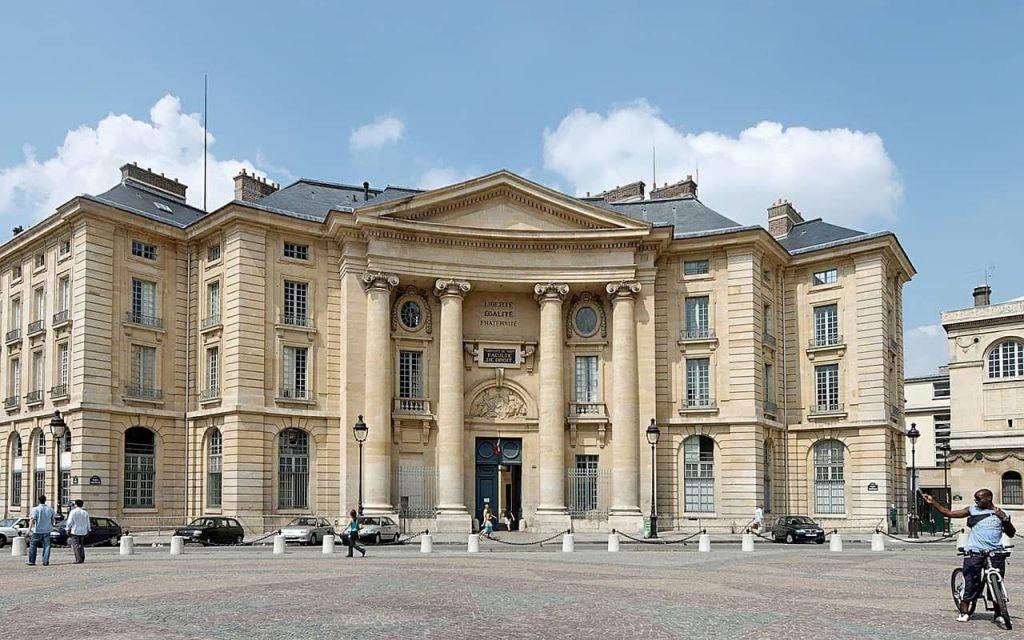 building 634035 1280 1024x640 - Waar te verblijven in Parijs: dit zijn de 5 leukste wijken + hotel tips!