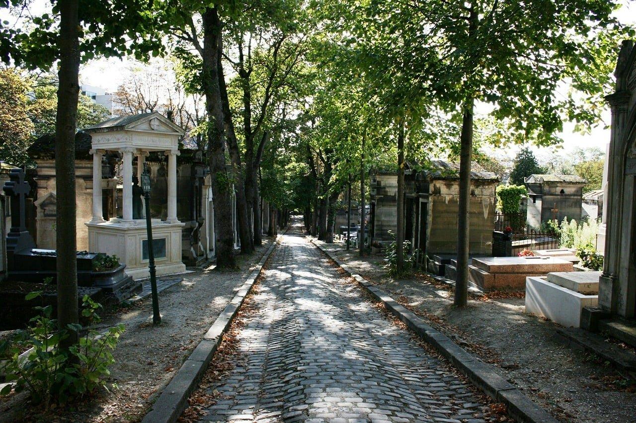 cemetery 503225 1280 - Wat te doen in Parijs: 55 tips voor een leuke stedentrip (+ budget tips!)