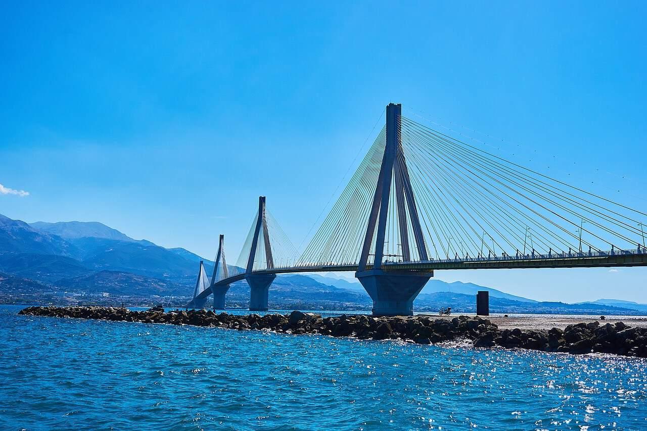 griekenland patras pixabay - De 20 mooiste plekken in Griekenland: van hoge bergen tot dromerige eilandjes