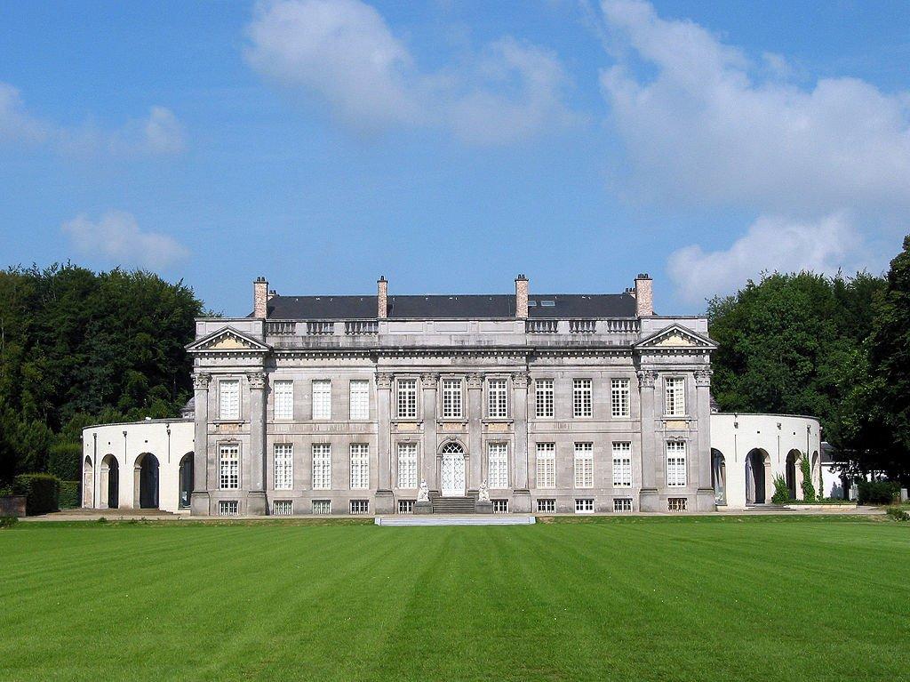 belgie kasteel seneffe wikimedia - De 12 mooiste kastelen in België om te bezoeken tijdens een dagje uit