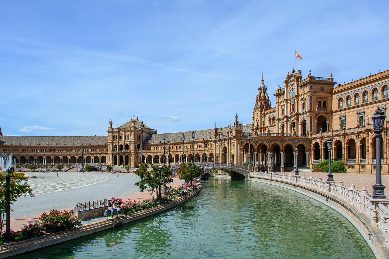 sevilla pixabay - De 24 mooiste plekken in Andalusië: natuur, dorpjes & steden