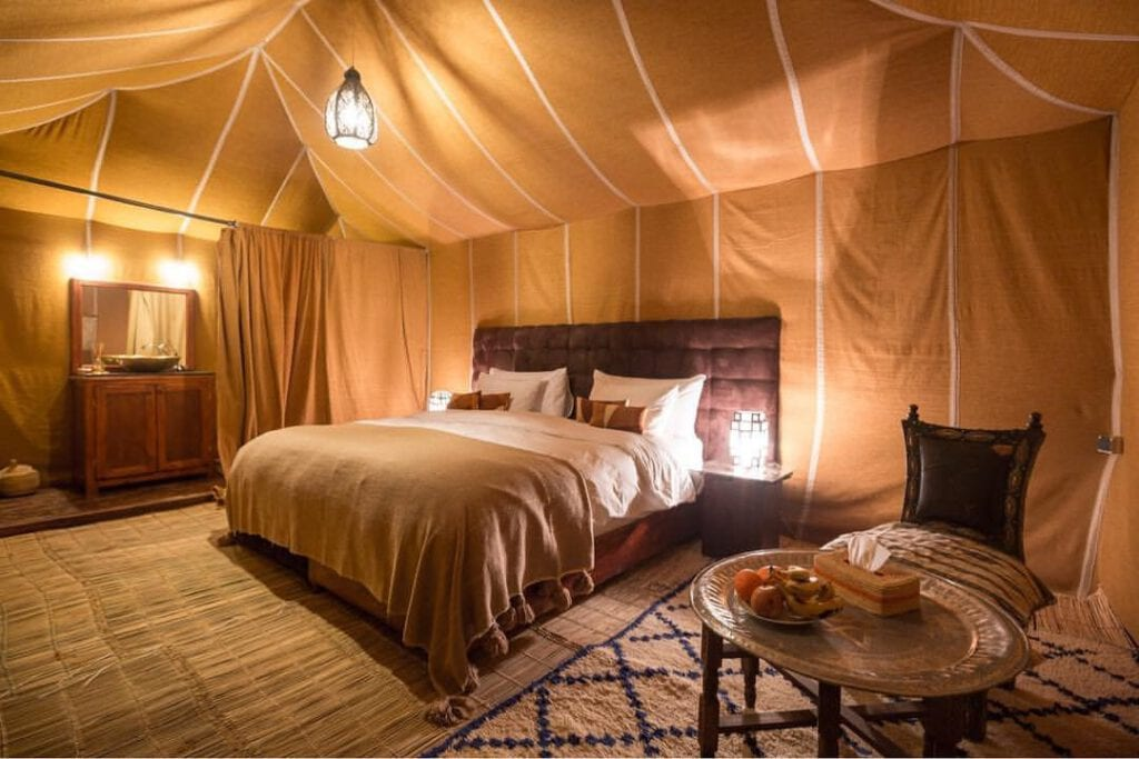 one of the tents in small 1024x683 - Sahara bezoeken vanuit Marrakech: 3-daagse route (+ hotel & tour tips!)