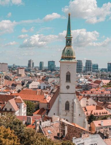 Bratislava 12 385x500 - Bratislava bezienswaardigheden:  wat te doen tijdens 1 dag (tips!)
