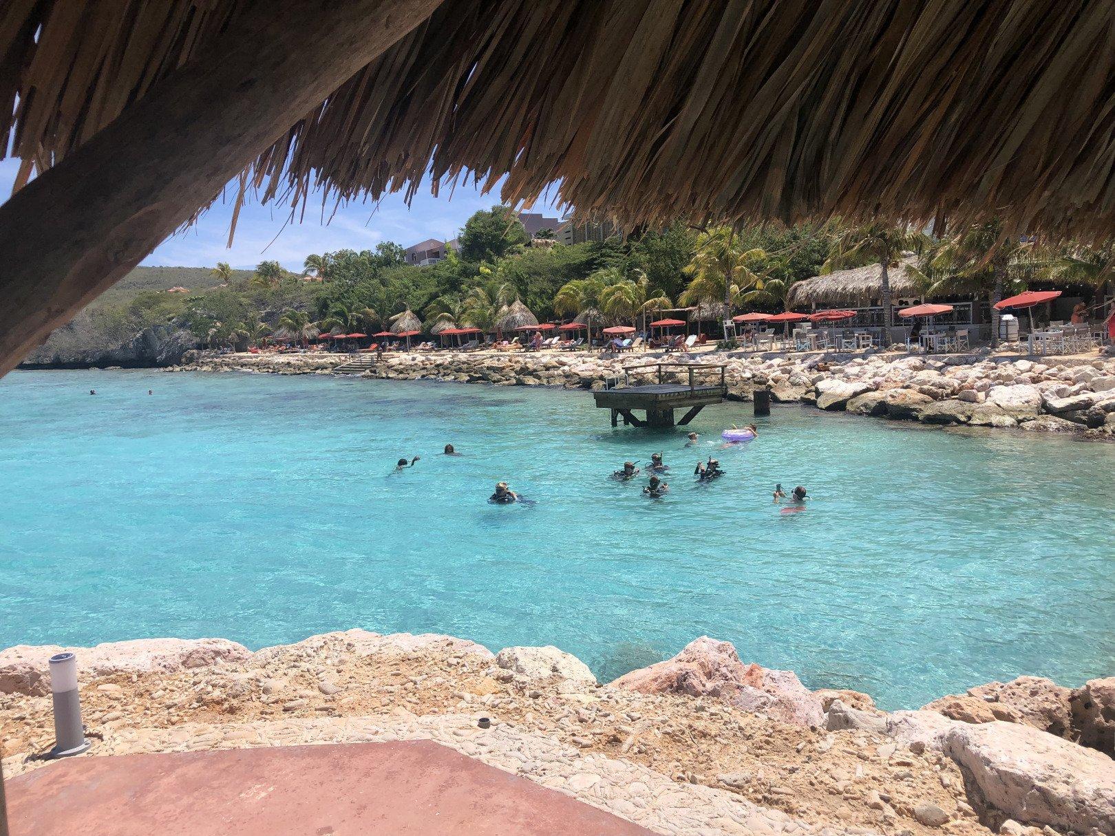 Karaktervanuitzee - Curacao: de 9 leukste plekjes om een drankje te drinken op het eiland