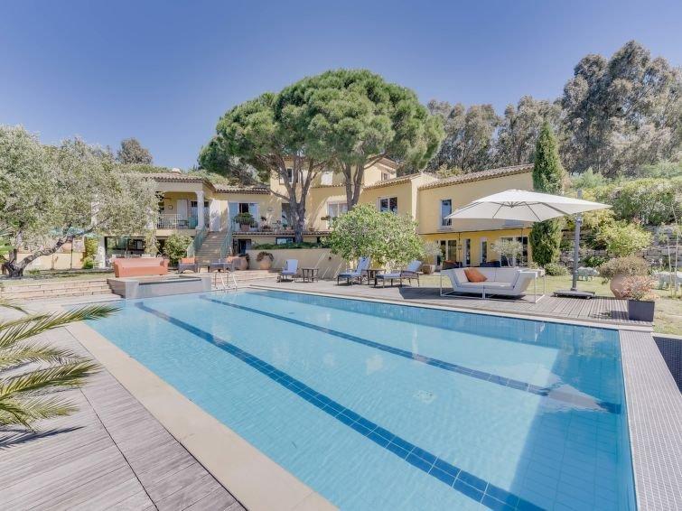 VillaLaRomane Interhome Front - 11x De mooiste vakantiehuizen met privézwembad in Frankrijk (Voor kleine en grote groepen!)