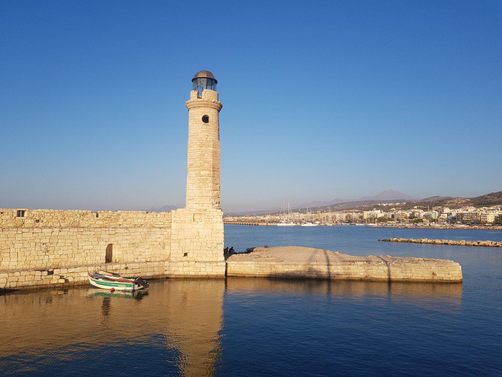branko besevic AOzk0zkvqbk unsplash - Waar te verblijven in Kreta: dit zijn de leukste dorpjes (+ Hotel Tips)